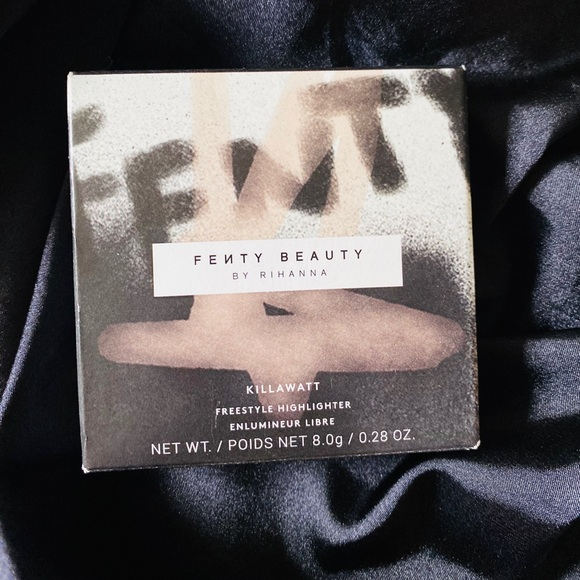 ✨NEW✨ FENTY Metal Moon Freestyle Highlighter